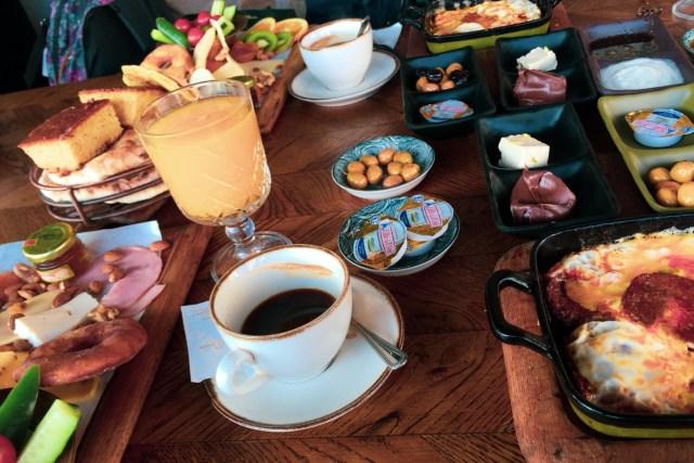 最後奉上當地的土耳其式早晨全餐照片一張,約港幣$110。