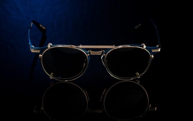 DITA UNION 和 UNITED 海軍藍配色(各建議零售價為港幣 6,200 元正),與及日皇御用品牌 Matsuda Clip-On (金、銀兩色,定價為港幣 1,300 元正),已於 The New Black Optical 限量上架