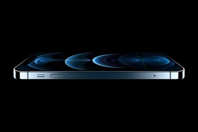 千呼萬喚始出來的 Apple iPhone 12,今回藍色做主打絕對是眼前一亮。