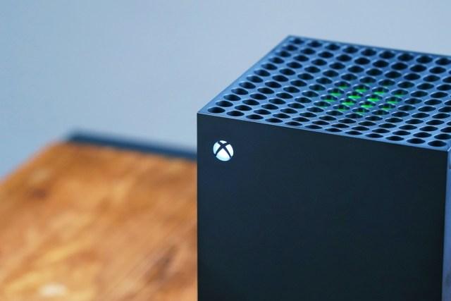 Xbox Series X 、 Xbox Series S 已於2020年11月10日正式推出,兩部主機定價分別為HK$3,880及HK$2,280。