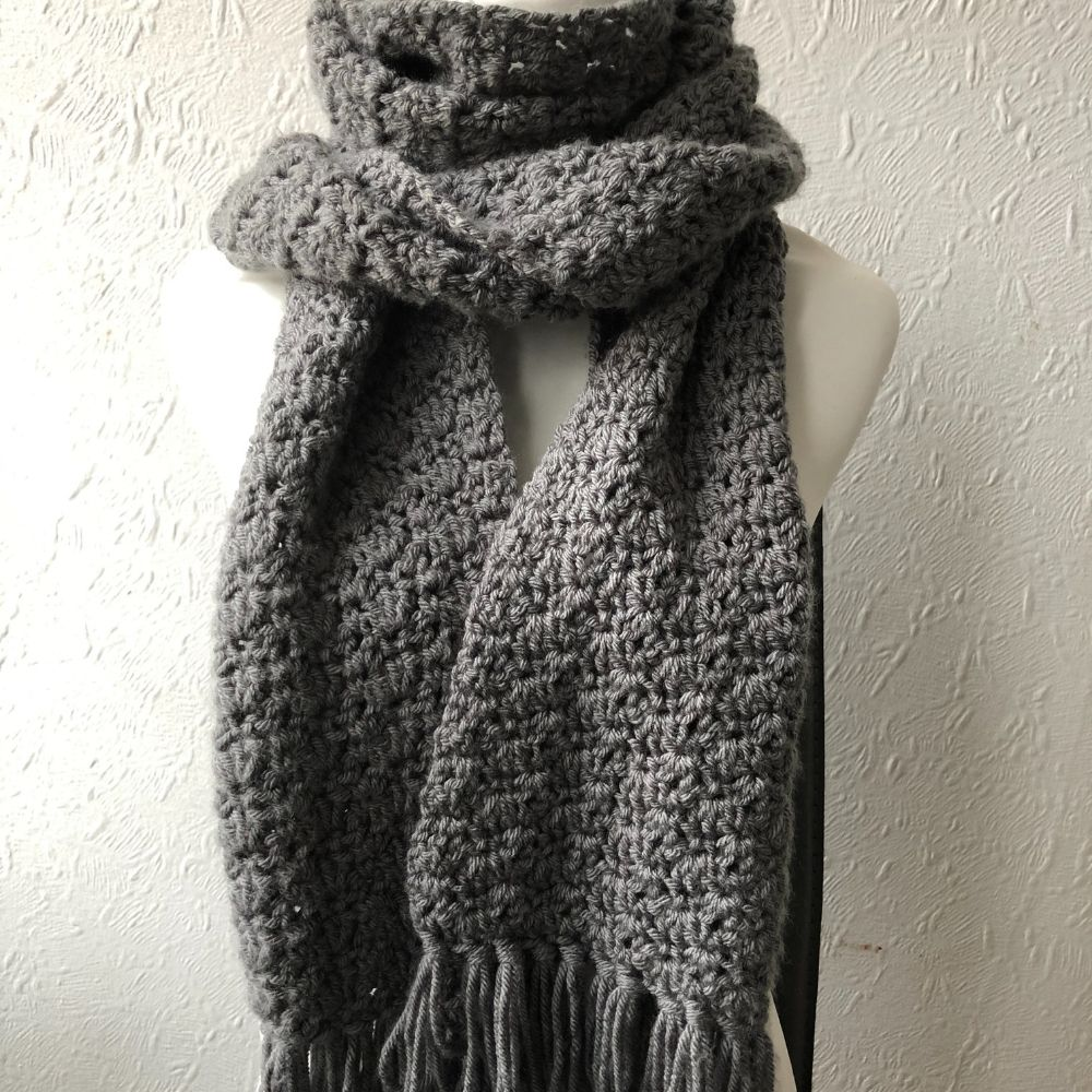 Beginner easy crochet scarf pattern