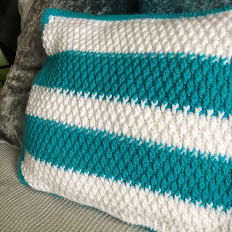 Free crochet cushion cover pattern – Craggy Coastal