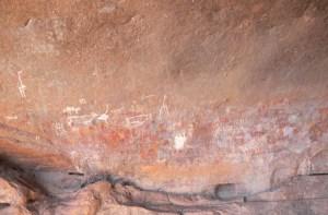 Ca. 1.000 år gamle hulemalerier i Wonderwerk-hulen, Sydafrika.