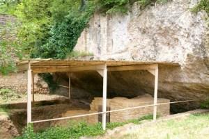 Le Moustier, grotten
