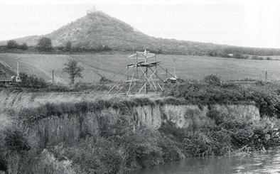 Sletten med Pavlovhøjderne i baggrunden, Dolni Vestonice