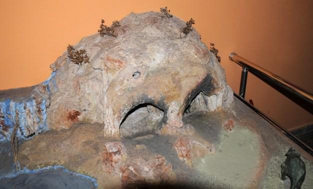 Model af grotten ved Karain, det arkæologiske museum i Antalia