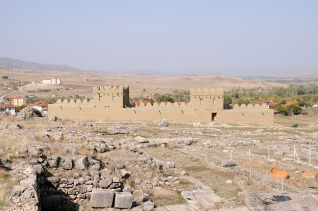 En rekonstrueret port, Hatussa