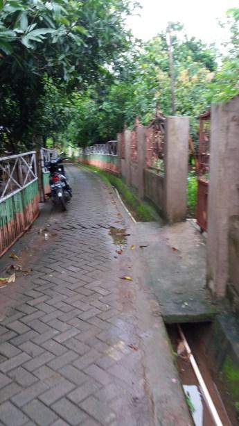 Jalanan di Pulau Lakkang