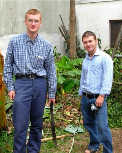 Daniel Meyer (l) and Jonathan Bear (r) live in Santa Rosita.