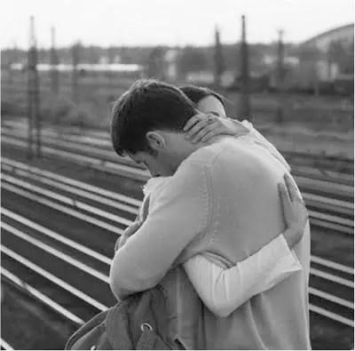Resultado de imagem para a importancia do abraço