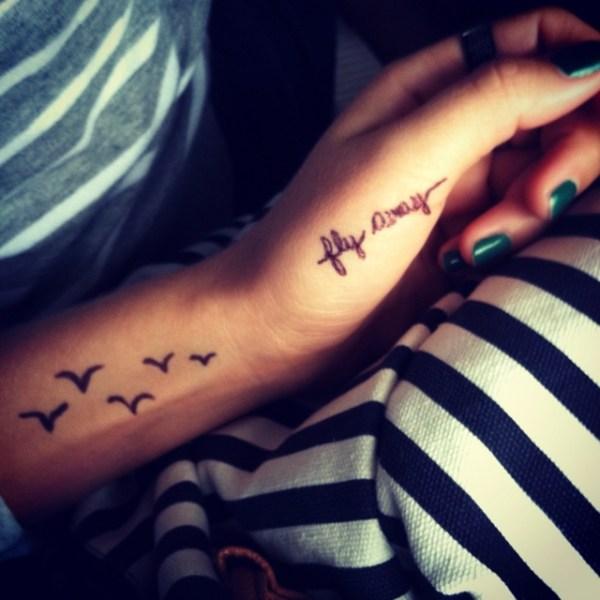 exquisite finger tattoos