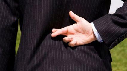 Κλασικά ψέματα ανδρών: τι λέμε και τι ισχύει στην πραγματικότητα (pics)