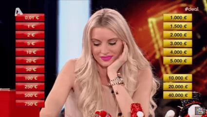 Η hot ξανθιά του Deal που κέρδισε 40.000 ευρώ και την καρδιά μας (Pics)