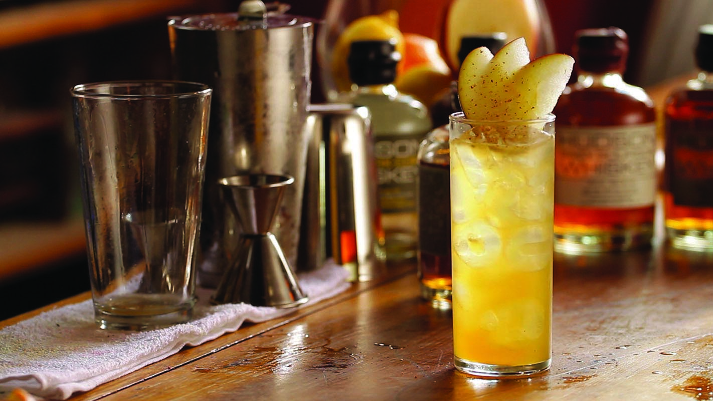 Halloween Cocktail Recipes - Spiced Apple Sour