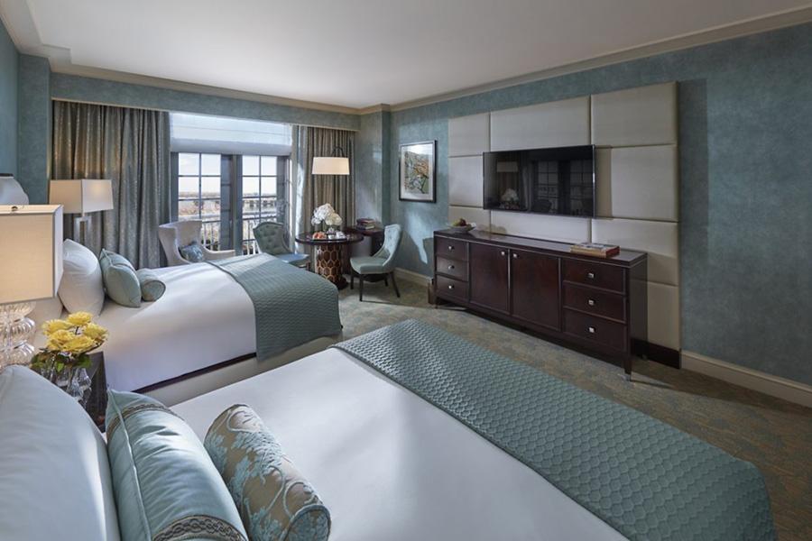 Mandarin-room-water-view-double