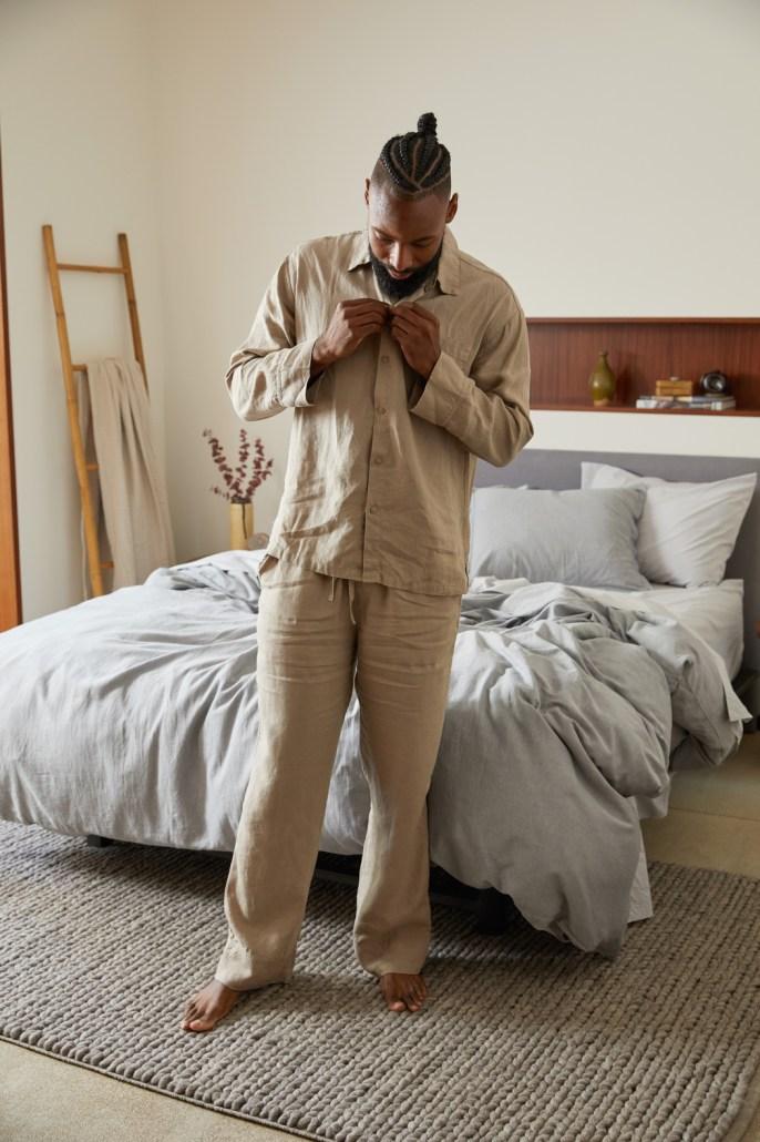 Parachute men's linen loungewear in fawn