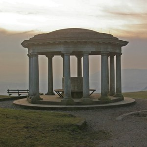 Inglis_Memorial,_Colley_Hill_-_geograph.org.uk_-_1143523