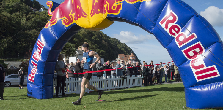 Ricky Lightfoot breaks the tape in a time of 02:41:22