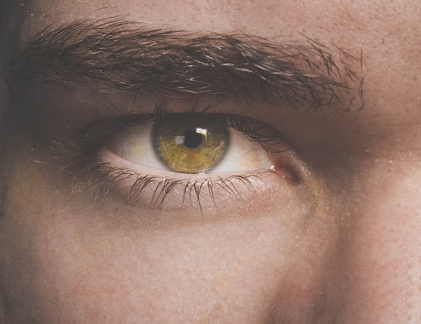 Natural Men's Skincare hacks for puffy eyes and dark circles