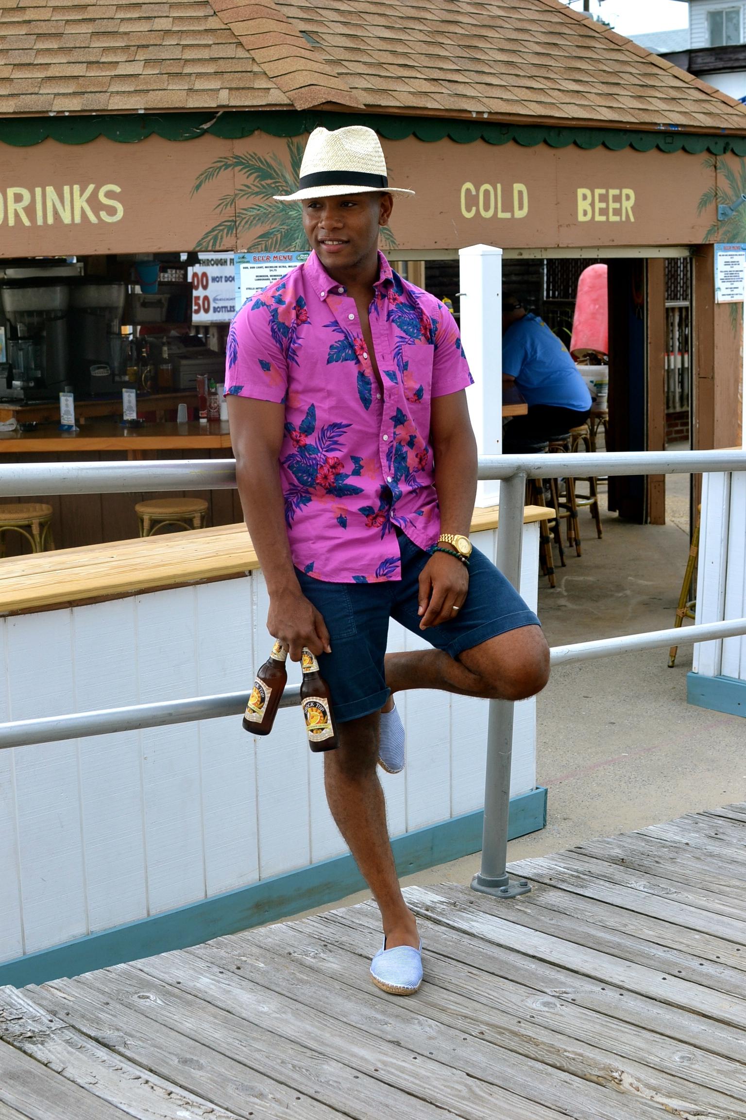 Men's style Pro in Newport Poplin Mengenta Floral Shirt