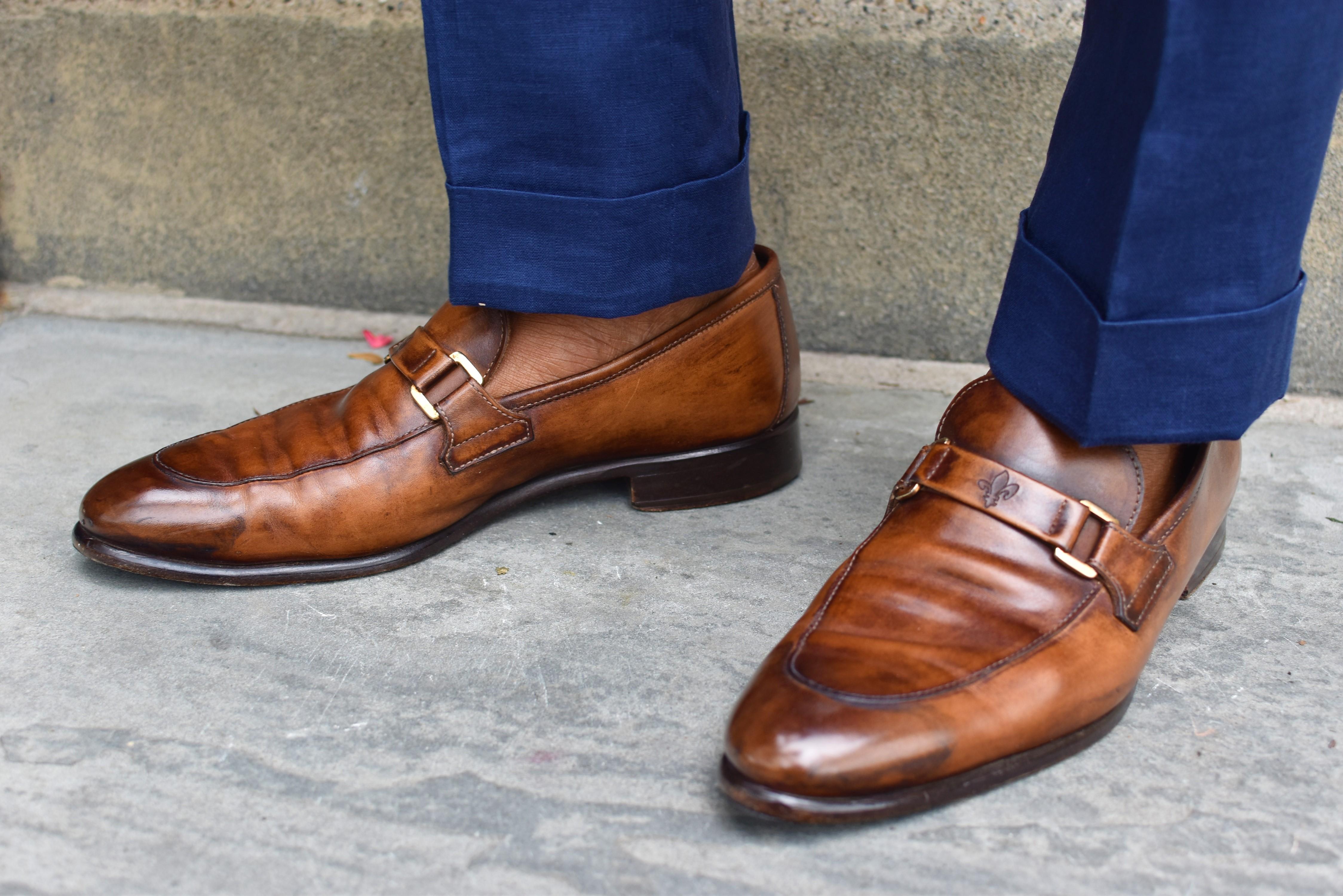 http://www.tailor4less.com/en-us/men/unstructured-suits/