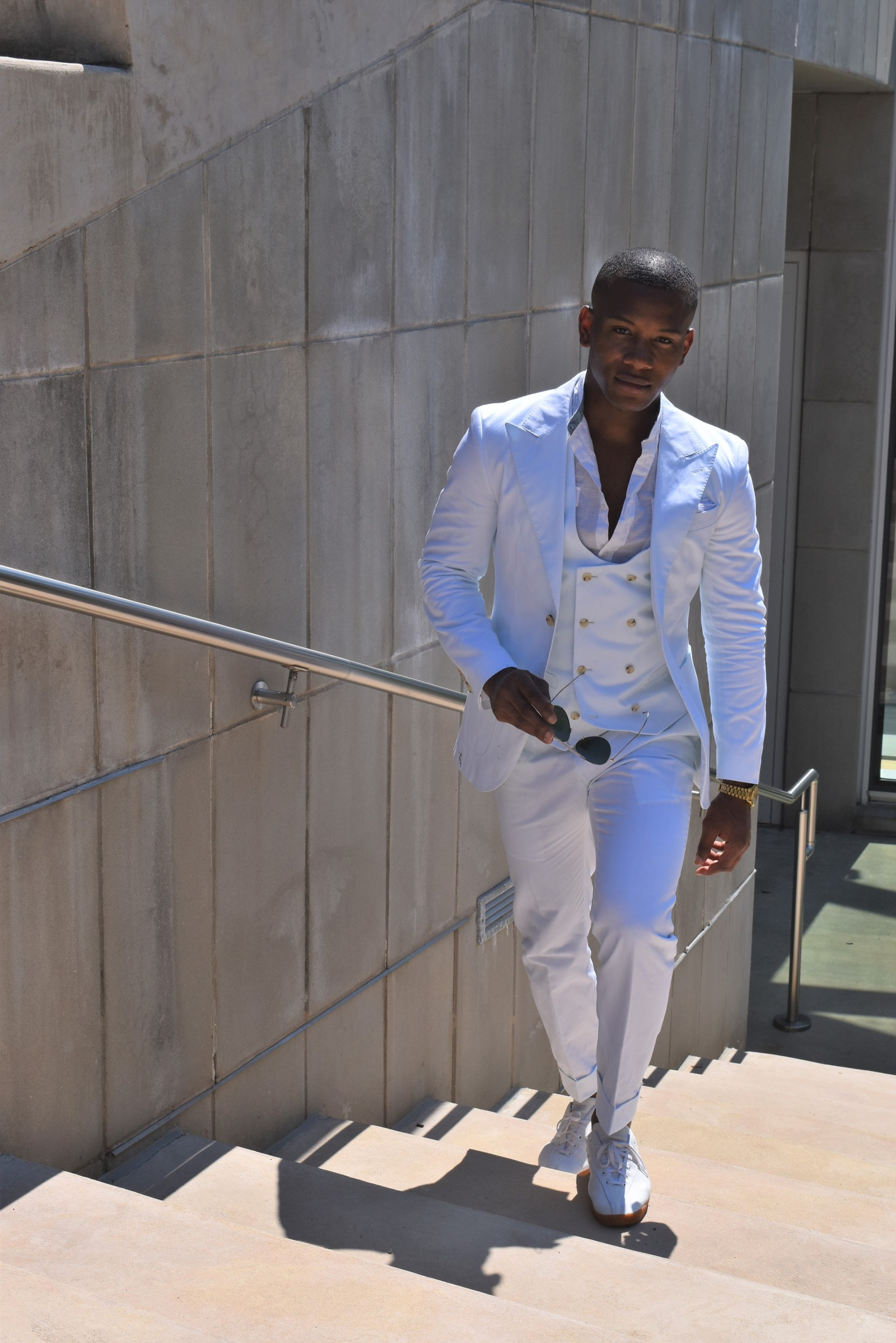 Men's Style Pro in All White Indochino Suit