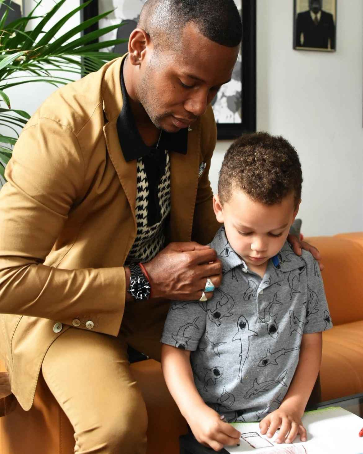Black Dad Sabir M. Peele of Men's Style Pro with son Hendrix