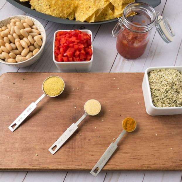 ingredients for vegan queso dip