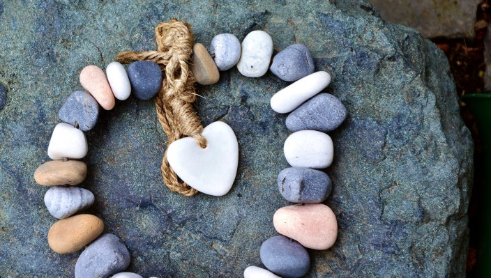 chain of stones in the shape of a heart