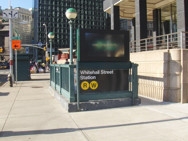 whitehall street station r train manhattan new york city