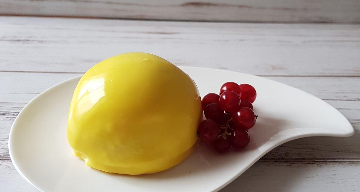 Bavarese alla vaniglia con cuore di cremoso agli agrumi: semifreddo