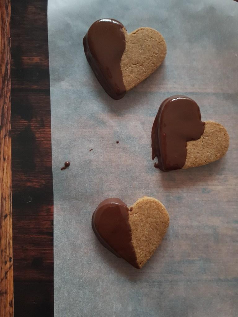 biscotti vegan al farro, castagne e cioccolato fondente