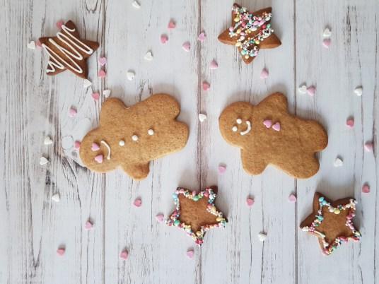 omini di pan di zenzero o gingerbread cookies
