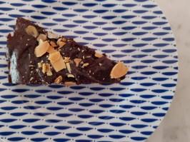 Torta vegana allo zenzero e ciocolato