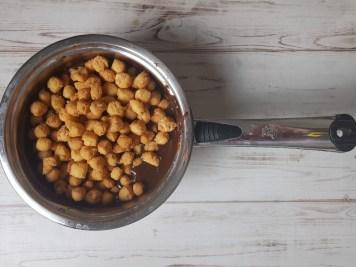 Come preparare gli struffoli al cioccolato