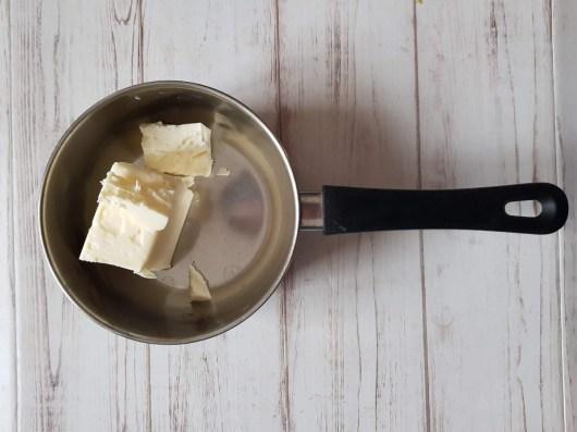 Burro per madeleine al cioccolato