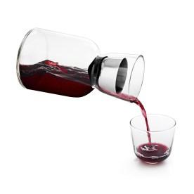 ww carafe pour wine