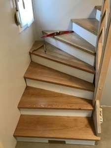 Habillage escalier marche en chêne