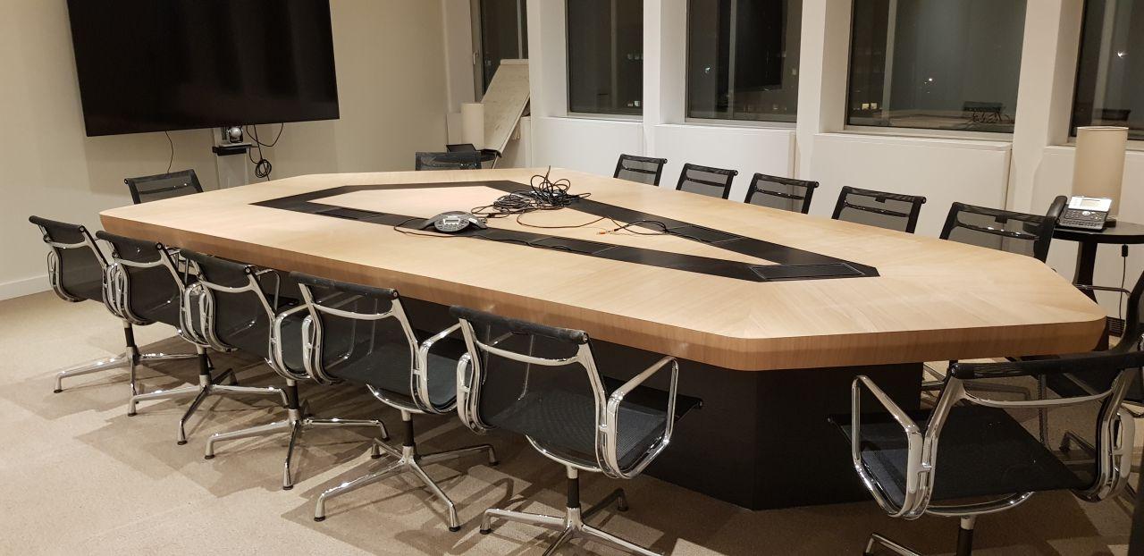 Table de conférance haut de gamme Strasbourg