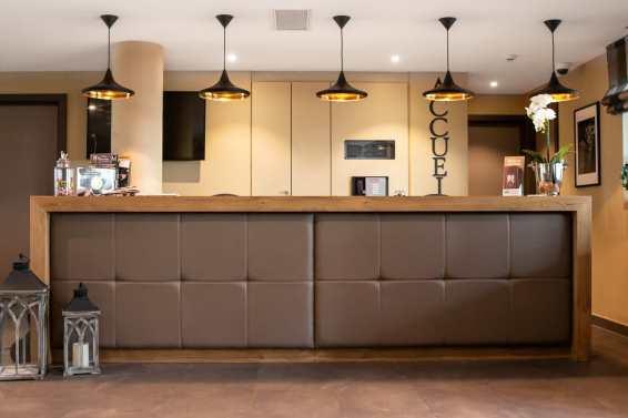 bar accueil hotel strasbourg menuiserie