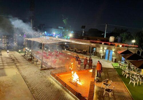 FoodYard Johar Town Lahore Pictures