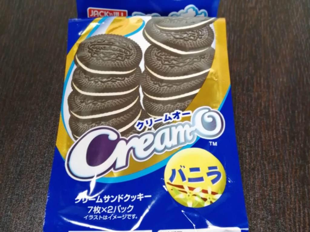 クリームオーバニラ味(クリームサンドクッキー)のパッケージ