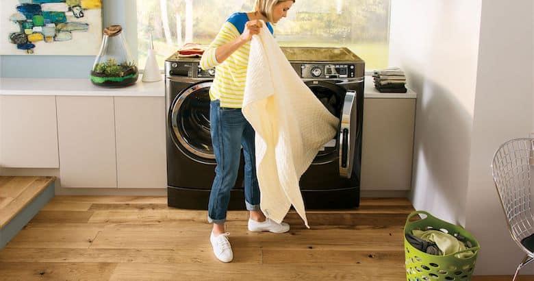 Mẹo khử mùi hôi máy giặt bằng giấm