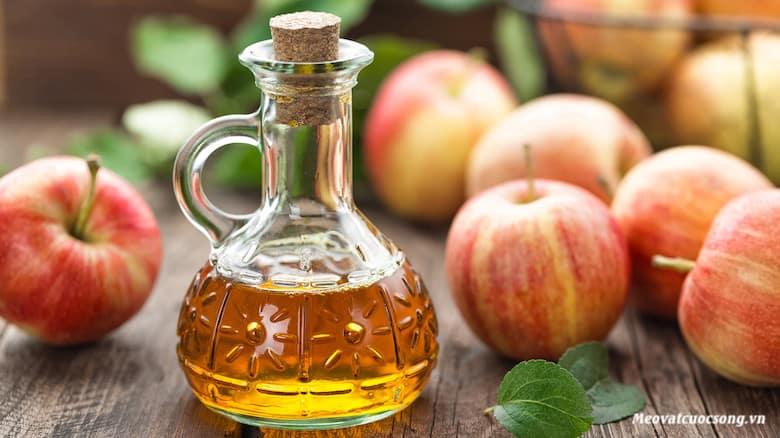 Giấm táo trị hôi chân hiệu quả