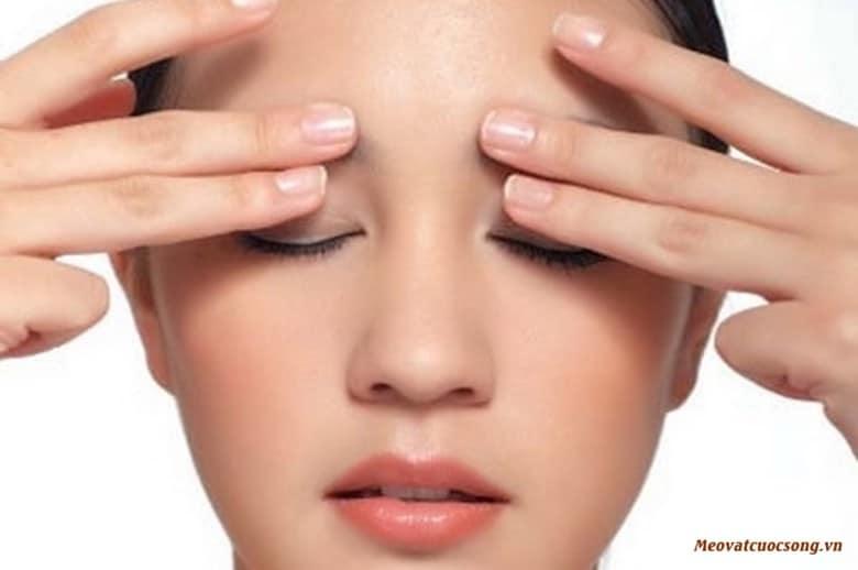 Massage giúp giảm mỏi mắt