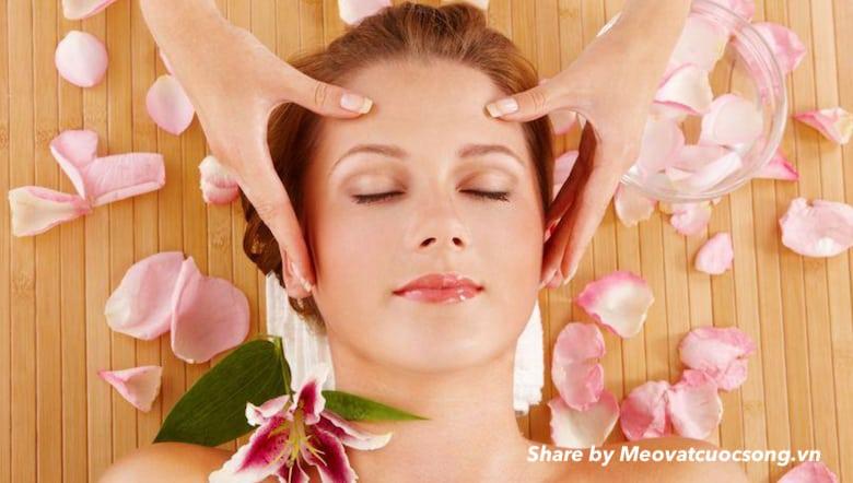 Massage giúp tan bọng mắt