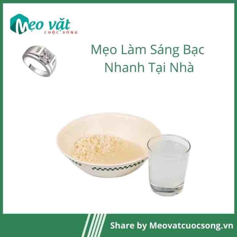 Làm sáng bạc bằng nước vo gạo