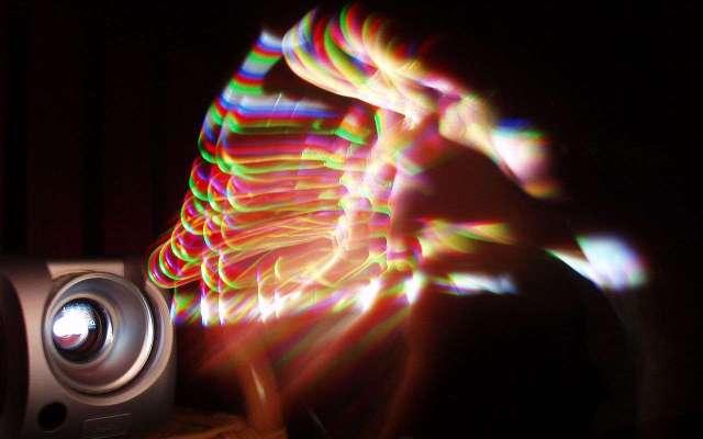 1280px-DLP_rainbow_effect