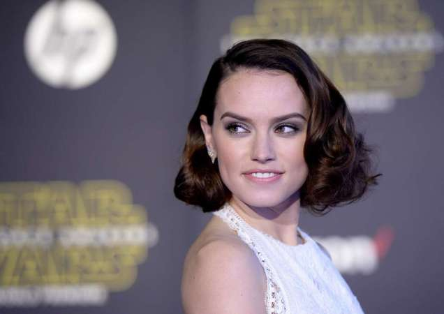 """Actress Daisy Ridley arrives at the premiere of """"Star Wars: The Force Awakens"""" in Hollywood"""