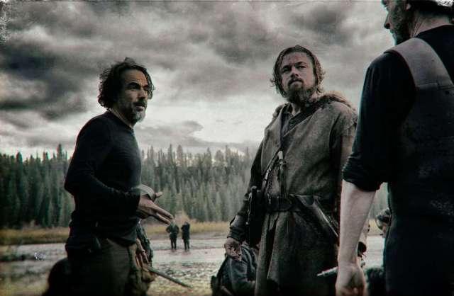 Алехандро Гонсалес Иньярриту и Леонардо Ди Каприо на съёмках «Выжившего»
